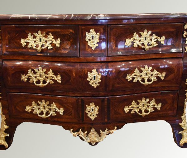 Commode tombeau époque Régence