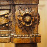 Console sculptée en noyer d'époque Louis XVI