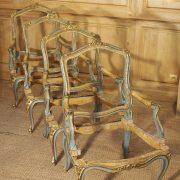 Ensemble de 4 chassis de fauteuils d'époque Louis XV