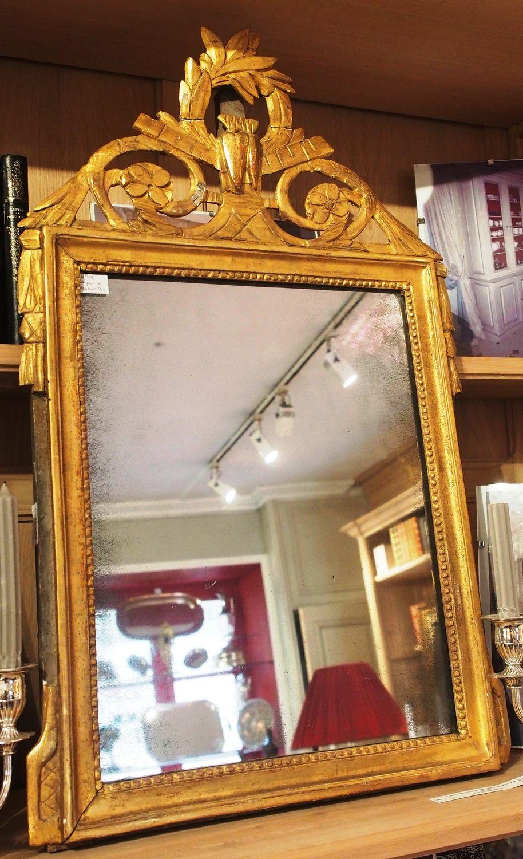 miroir d 39 poque louis xvi en bois dor. Black Bedroom Furniture Sets. Home Design Ideas