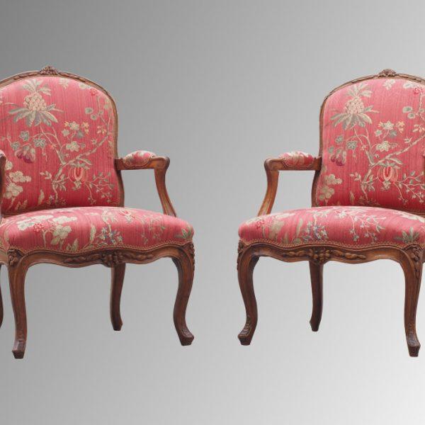 Paire de fauteuils d'époque