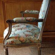 Fauteuils d'époque Louis XVI en bois peint et patiné
