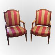 Paire de fauteuils à dossier plat d'époque Louis XVI
