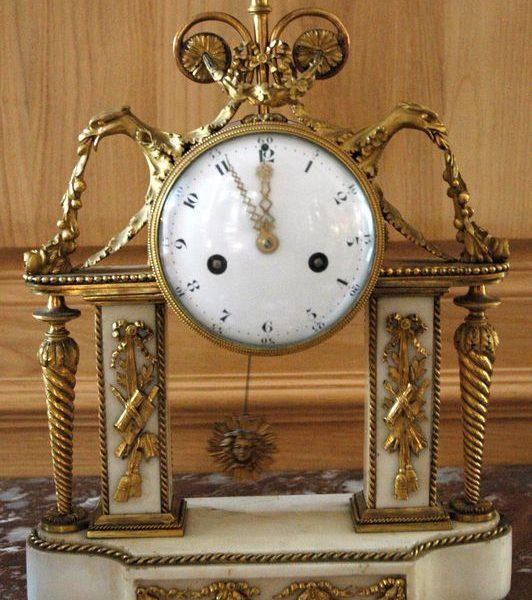 Pendule portique d'époque Louis XVI