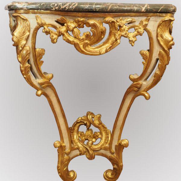 Petite console galbée Louis XV
