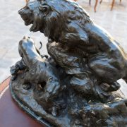 Sculpture lion régule