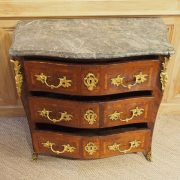 Commode d'époque Louis XV estampillée JP.LATZ