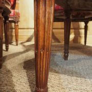 Suite de 4 fauteuils en noyer d'époque Louis XVI