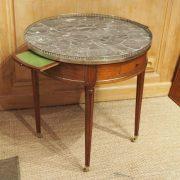 Table bouillotte d'époque Louis XVI en acajou de Cuba (3)