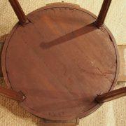 Table bouillotte d'époque Louis XVI en acajou de Cuba (6)