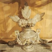 Petite console demi-lune d'époque Louis XVI