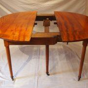 Table de salle à manger en acajou d'époque Directoire