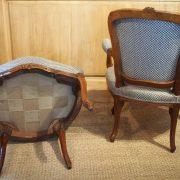 paire-fauteuils-louisxv-noyer (1)