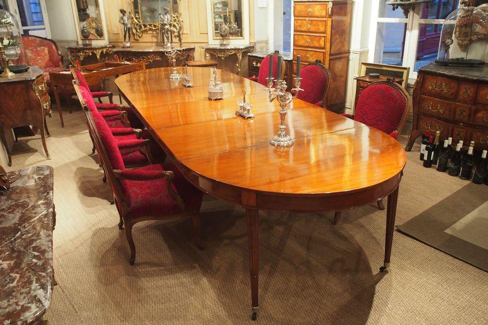 Table de salle à manger parisienne, Louis XVI -