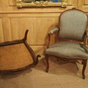 Paire de fauteuils d'époque Louis XV - Tissus uni taupe