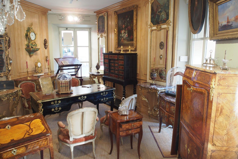 interieur magasin leclercq