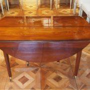 Table avec côté abaissé