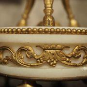 Paire de cassolettes en marbre blanc et bronze doré