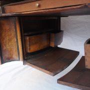 Grand Bureaux plat d'époque Régence