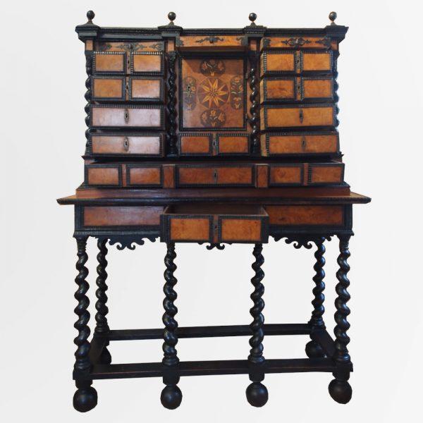 cabinet-bois-noirci